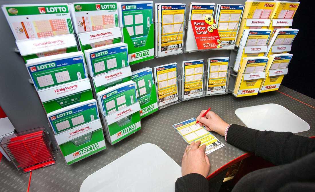 Kvinnan från Lund tappade sitt spelkvitto med sina gamla rader hon haft i 20 år. Hon tvingades att lämna in helt nya rader – då vann hon en miljon direkt.