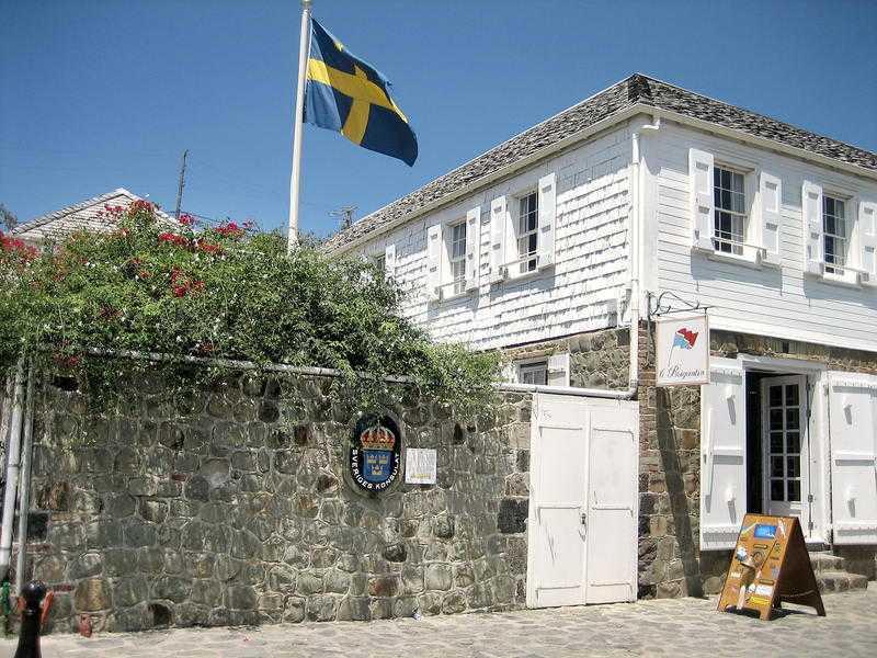 SVENSK NÄRVARO Sverige har ett konsulat på Saint-Barthélemy.