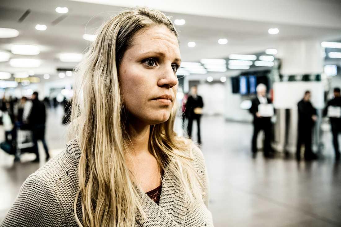 Noels mamma Erika Helin vill varna andra resenärer för denguefeber.