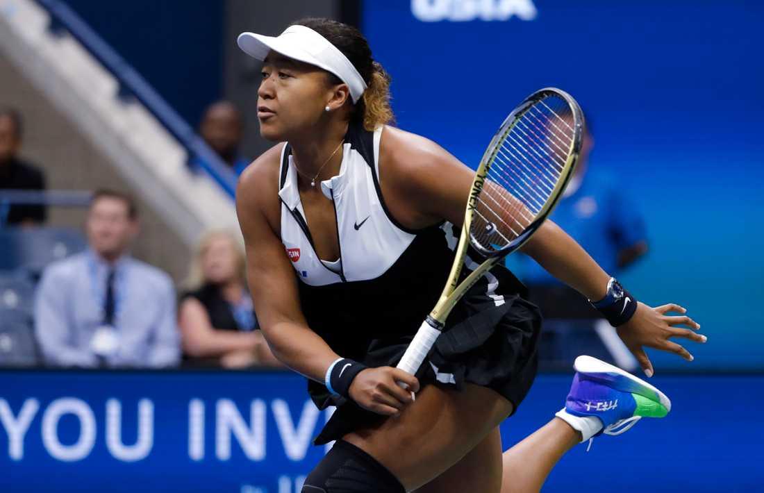 Naomi Osaka är utslagen i US Opens damsingel.