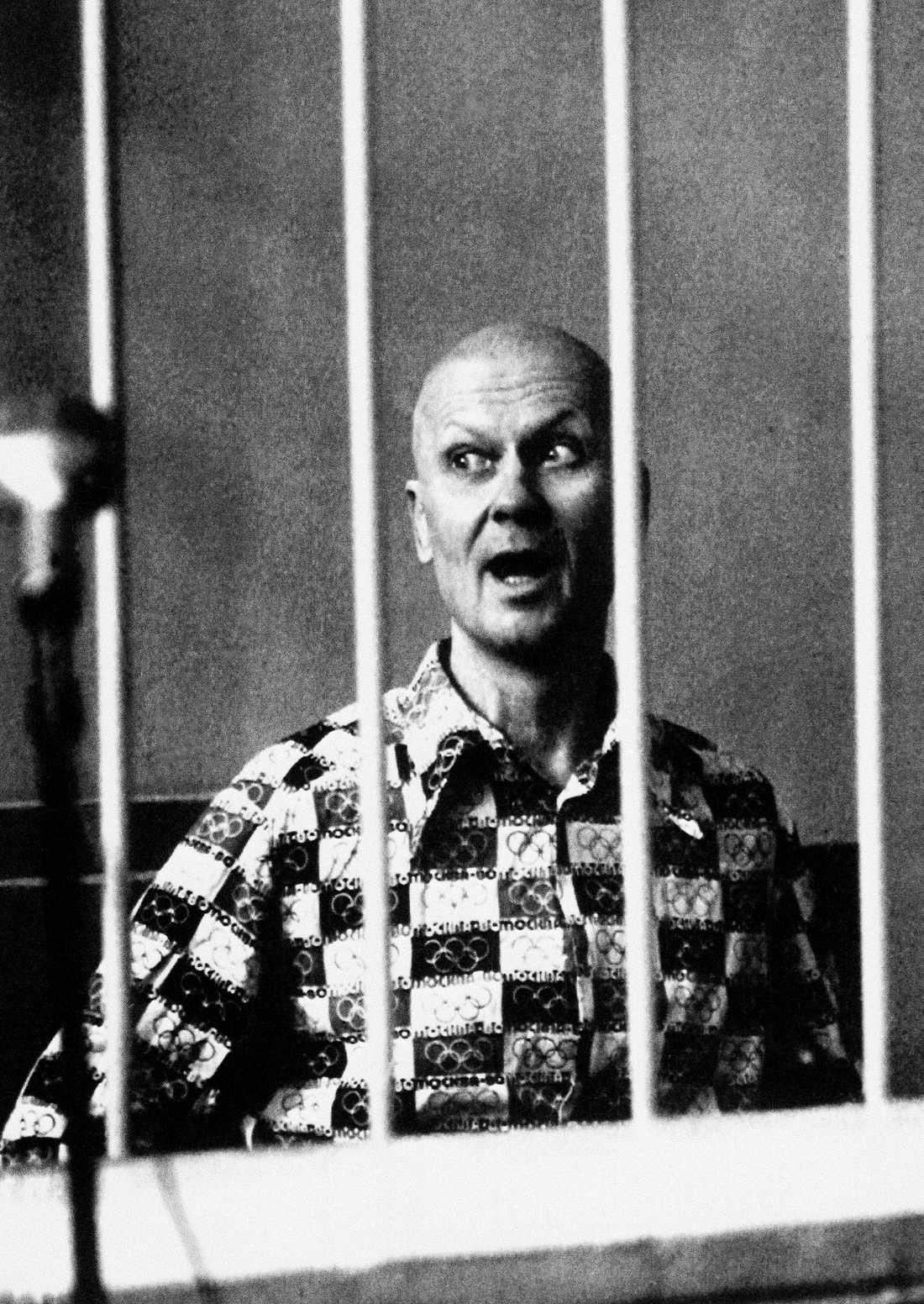 Andrej Tjikatilo i rätten 1992.