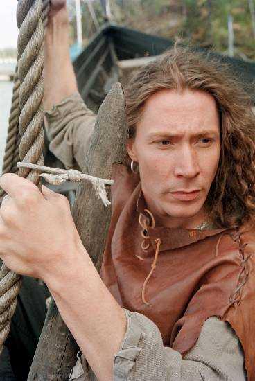 """vikingafantast Vid sidan om musiken är vikingatiden Martin """"E-type"""" Erikssons största intresse. Han har till och med skrivit en vikingaroman och gjort ett dataspel om vikingatiden."""