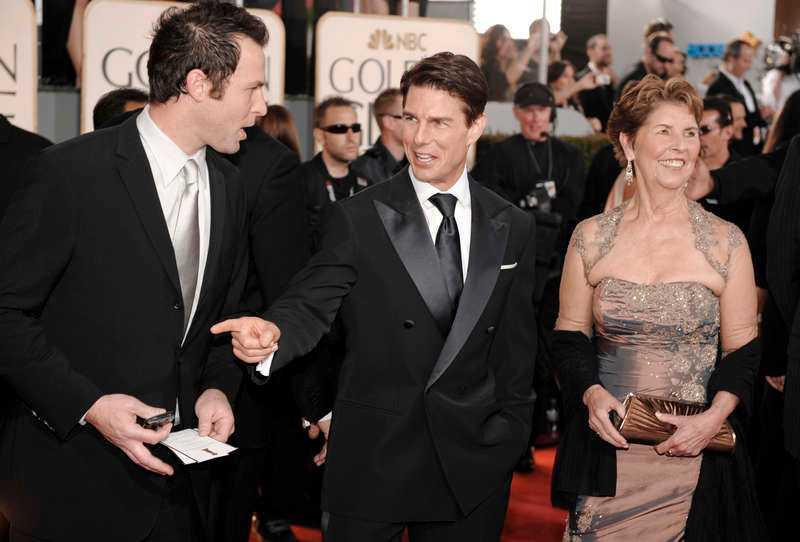 GICK MED I SEKTEN  Tom Cruise tillsammans med sin mor Mary Lee - som även hon är medlem i Scientologerna.