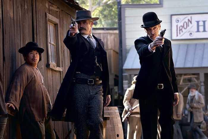"Timothy Olyphant och John Hawkes i ""Deadwood""."
