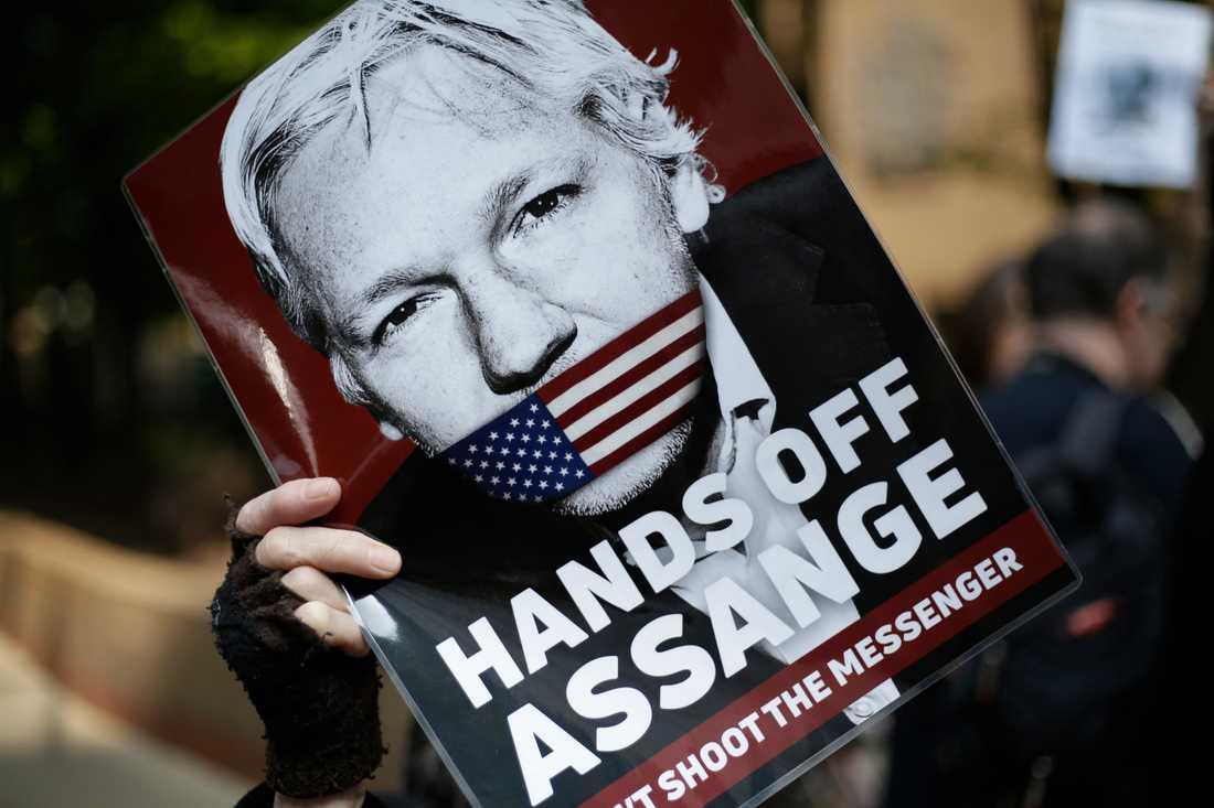 Julian Assange har vägrat att infinna sig i svensk domstol.