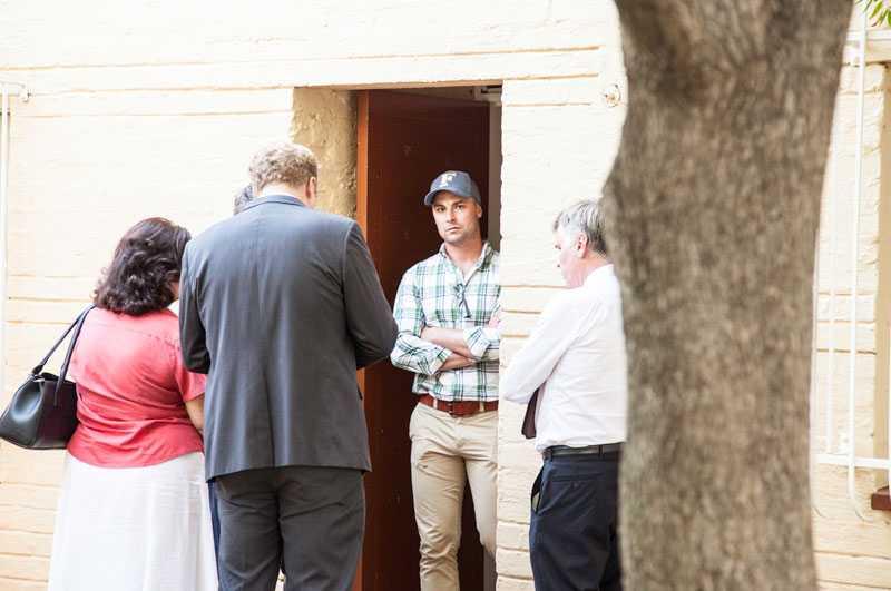 Oscar Pistorius bror Carl var en av de anhöriga som fanns på plats för att stötta.