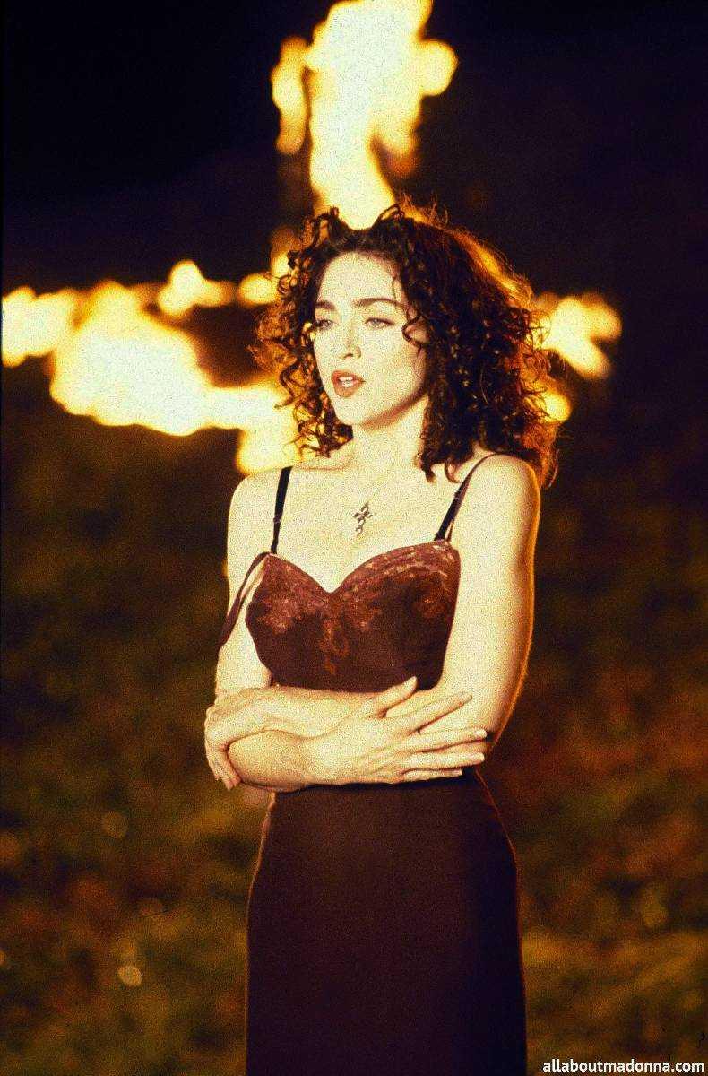 """ÄR FEM PLUS Madonnas """"Lika a prayer"""" finns med på Virtanens lista."""
