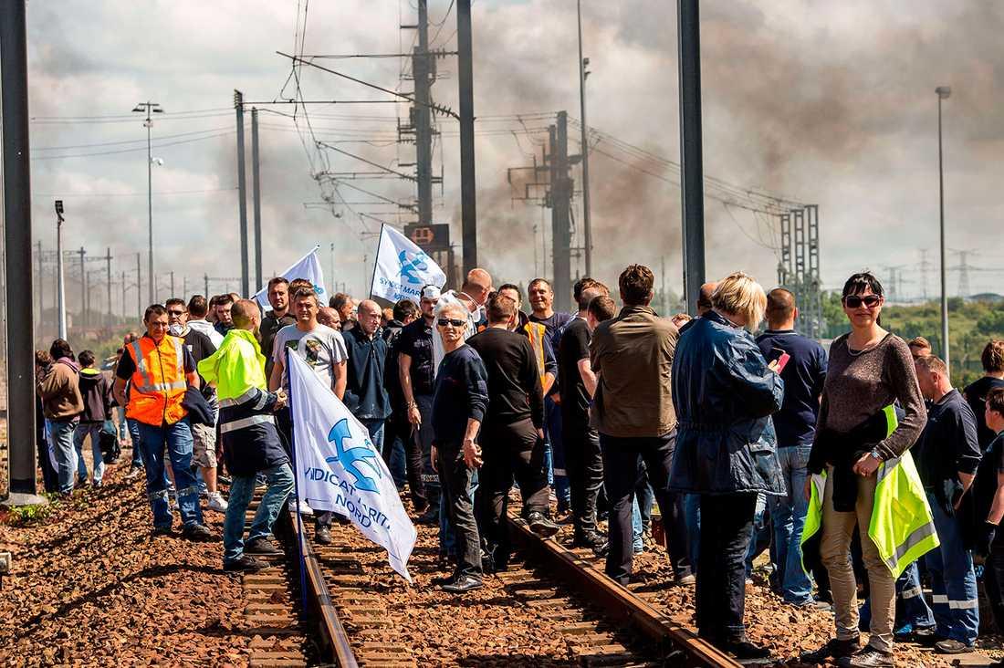Strejkande färjearbetare.