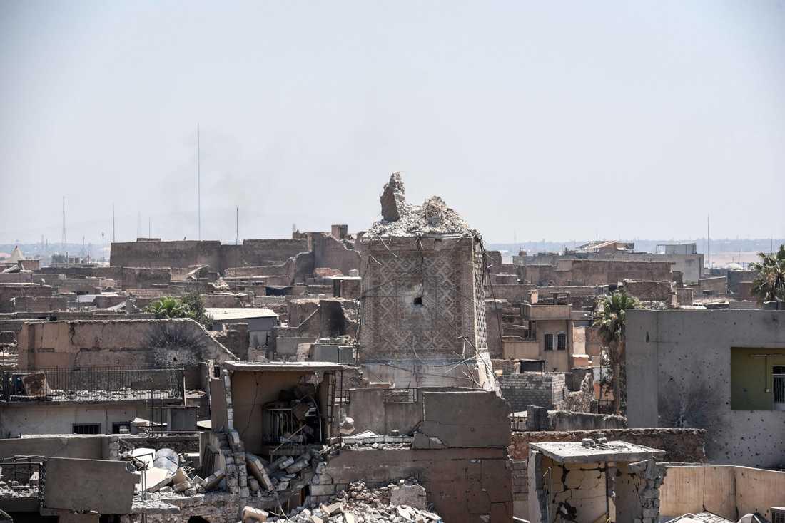 Mosuls landmärke, al-Nurimoskén med den lutande minareten, är ödelagd. Den sprängdes av IS.
