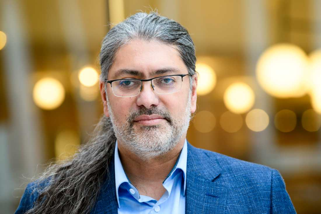 Virusforskaren professor Ali Mirazimi.