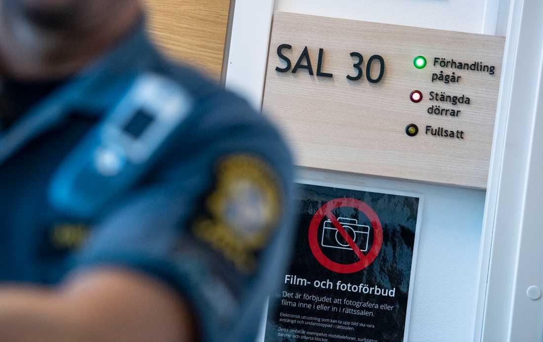Häktningsförhandlingen mot 23-åringen hölls bakom stängda dörrar på Rättscentrum i Malmö.