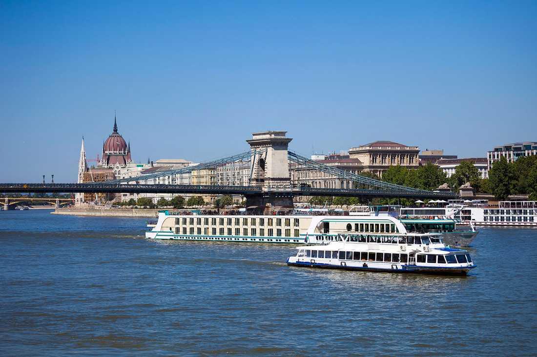 En flodkryssning på Donau kan ta dig till sju länder och fem huvudstäder, bland annat Budapest.