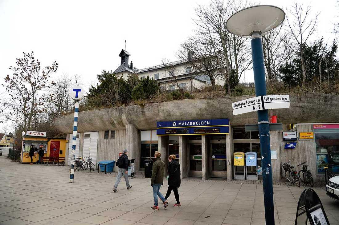 Mälarhöjdens tunnelbanestation