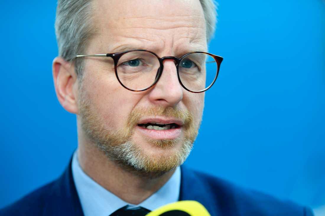 Inrikesminister Mikael Damberg (S) vill inte ge några detaljer om vapenstölderna i Regeringskansliet. Arkivbild.