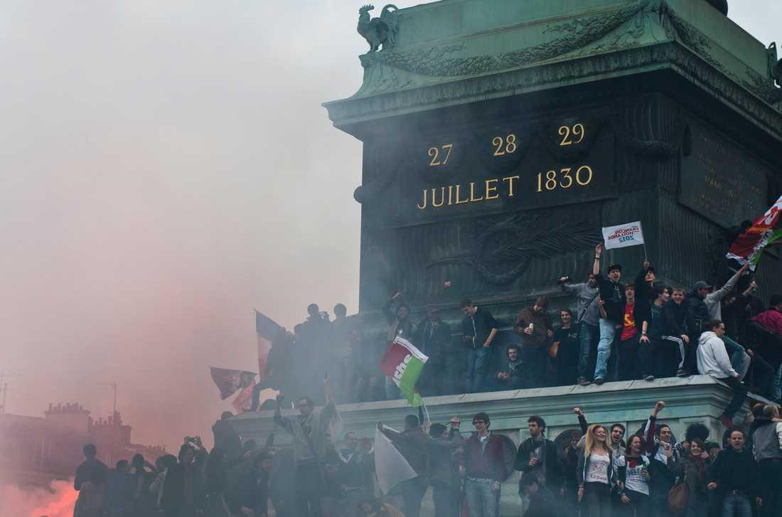 Bengaler tändes efter att Frankrike fått en ny president.
