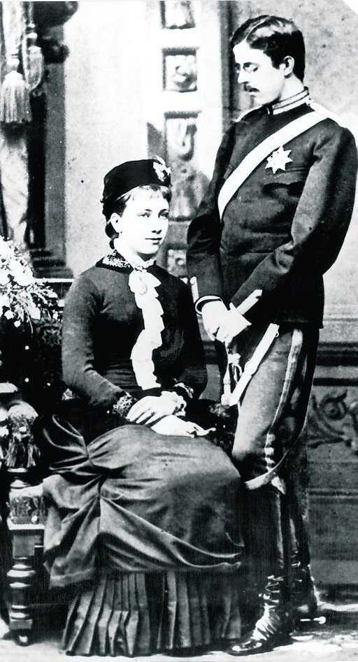 Gustav V och drottning Victoria bodde också på Tullgarn på somrarna.