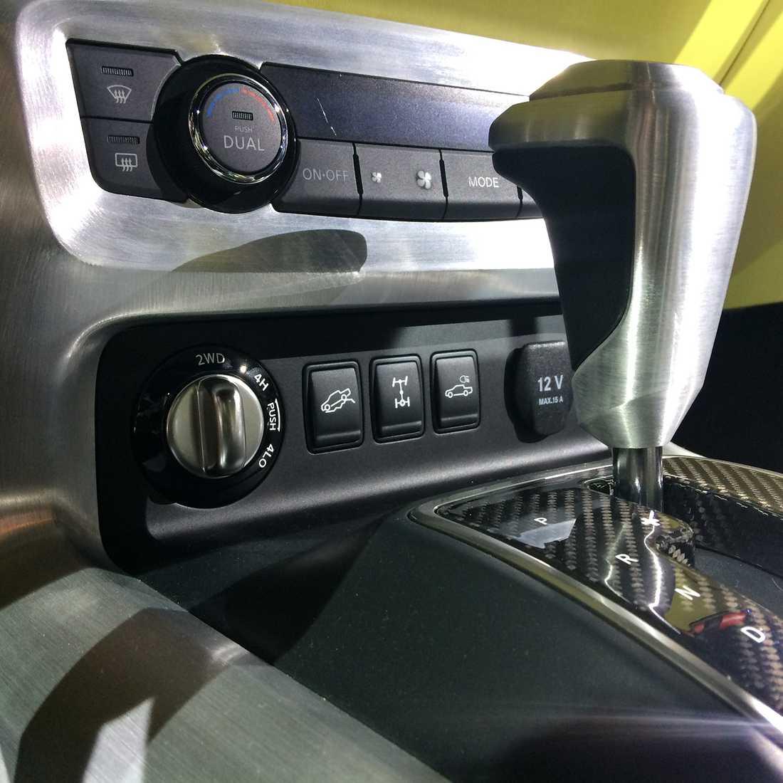 Toppversionen kommer med Mercedes egna 4matic-fyrhjusldrift med hög och lågväxel samt diffspärrar mellan bakhjul och axlar.