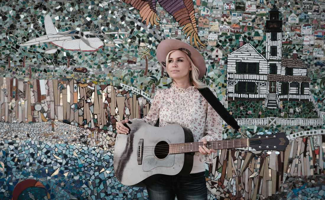 Artisten Sofia Talvik var på USA-turné när coronaviruset bröt ut och är nu strandad i Texas.