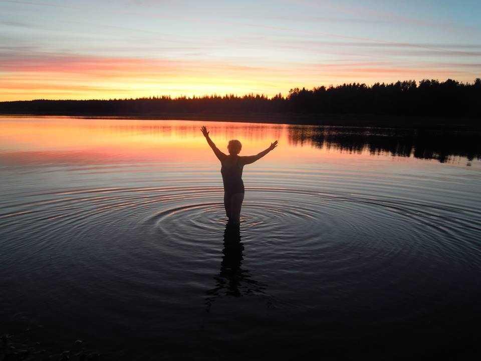 Kvällsdopp i Särnasjön/Österdalaälven