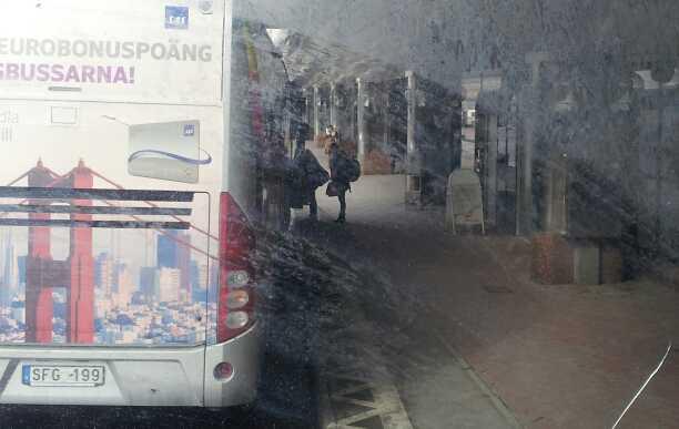 """Passagerare med """"svenskt"""" utseende uppges ha fått åka i en buss..."""