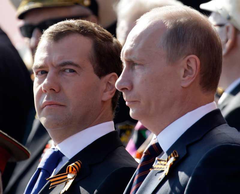 President Medvedev och premiärminister Putin fanns på plats.