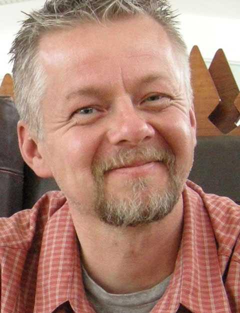 """Spänt läge Magnus Forsberg på den svenska Afghanistankommitén var en av dem som vaknade upp mitt i kaoset i Kabul i morse. """"Jag är på helspänn, hela tiden"""", säger han."""