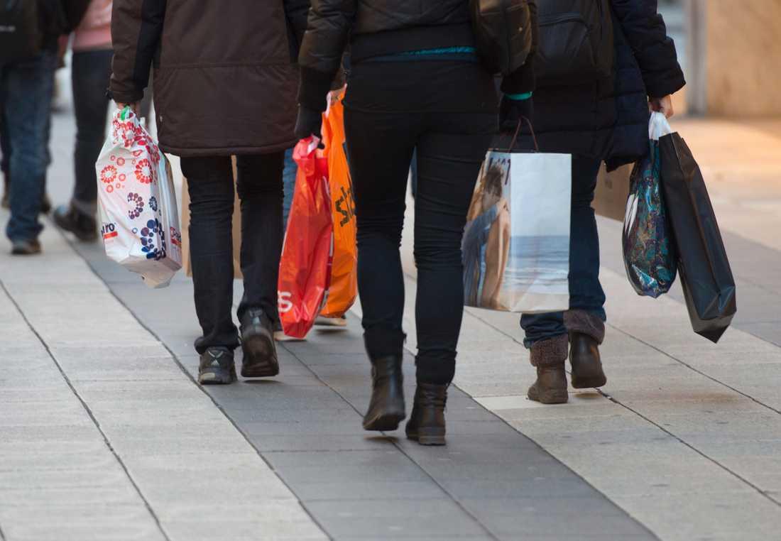 Modebranschen anser bland annat att ribban för att få ta del av omsättnings- och omställningsstöd är för hög. Arkivbild.