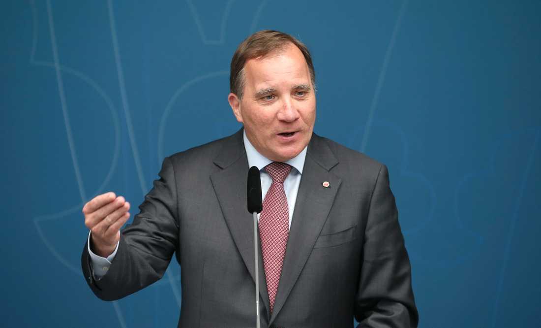 Statsminister Stefan Löfven (S) får fira midsommar i Bryssel, på EU-toppmötet som ska försöka ta beslut om vilka som ska få EU:s topposter de kommande åren. Det handlar också om klimat och EU:s långtidsbudget.