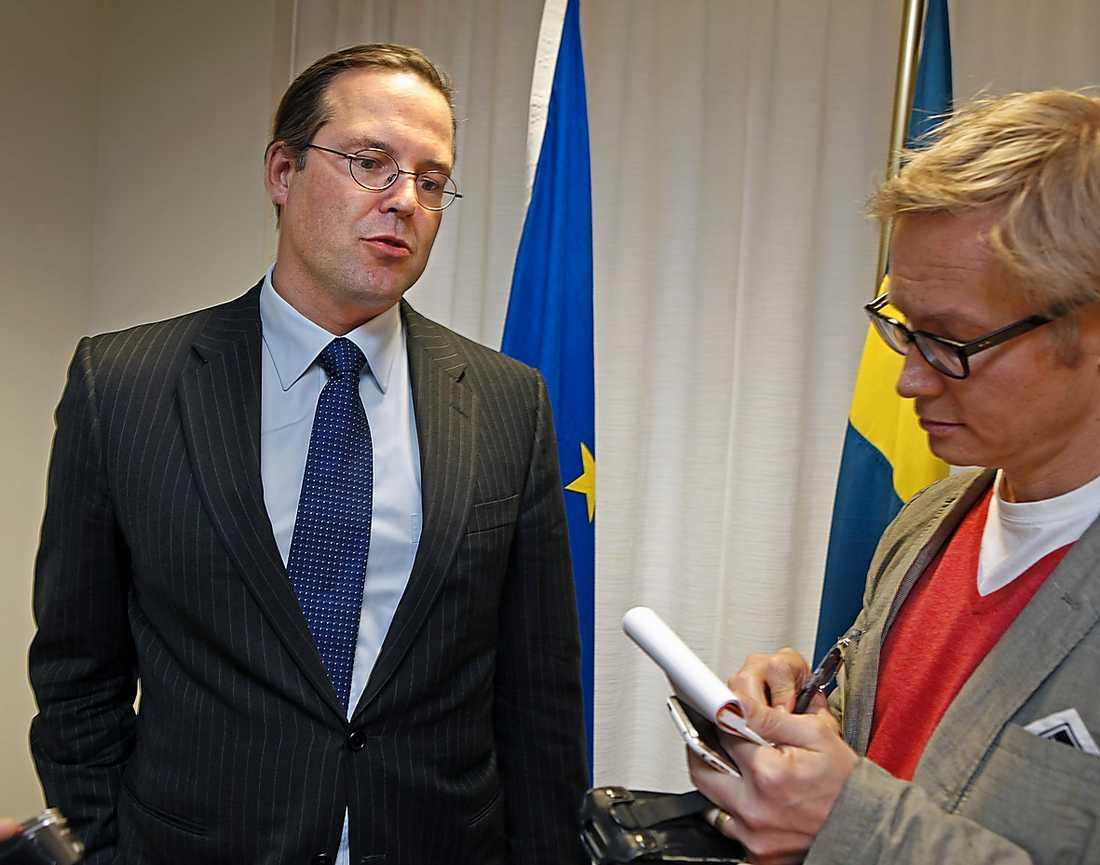 BORG FÖRSVARAR  Efter Lars Carlströms påståenden i Aftonbladet försvarade Anders Borg i går regeringens ambitioner.