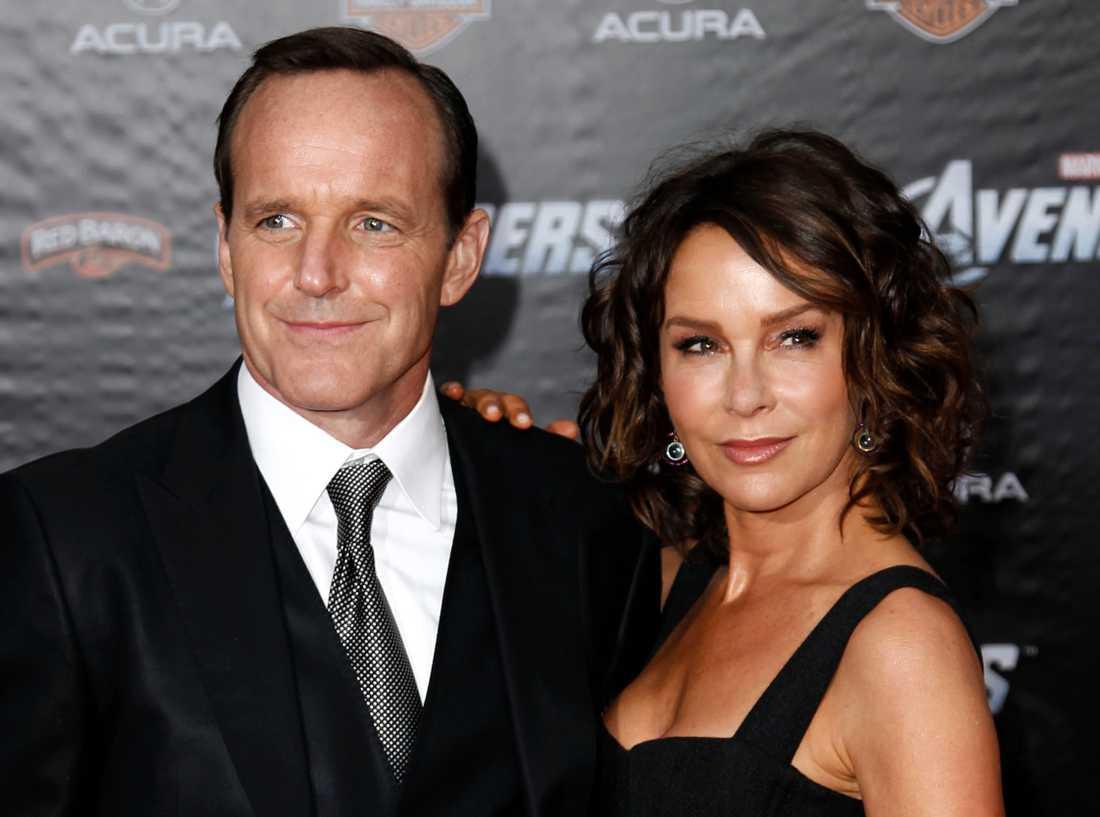 Jennifer Grey och Clark Gregg skiljer sig efter 19 år som gifta.