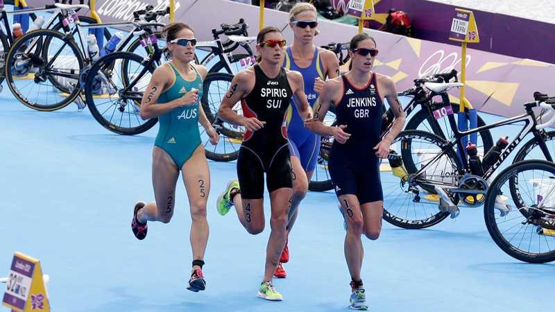 Lisa Nordén var i tätklungan i det avslutande loppet över en mil.