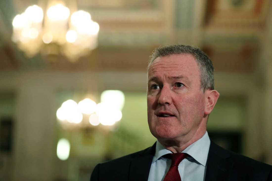 Conor Murphy är finansminister i den regionala regeringen i Nordirland, men har också dragits in i valkampen i Republiken Irland. Motståndarna kräver att Sinn Féin-politikern Murphy avgår för sina uttalanden om en mördad 21-åring. Arkivfoto.