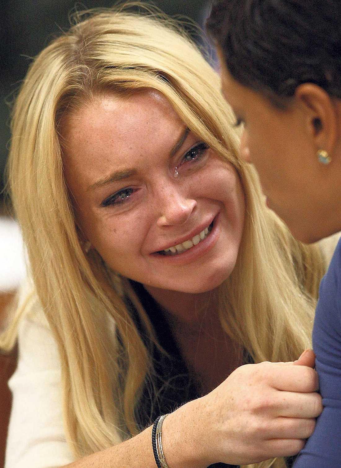 hade villkorligt efter rattfylla Lindsay Lohan bryter ihop när domaren ger henne bekedet att hon måste tillbringa 90 dagar bakom galler och lika många dagar på rehab.
