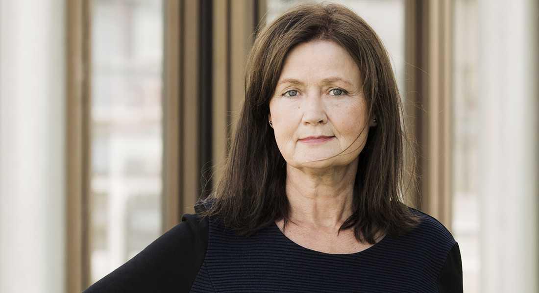 """""""Eva F Dahlgren söker heroiskt envist i de osynliggjordas historia"""", skriver Anneli Jordahl."""