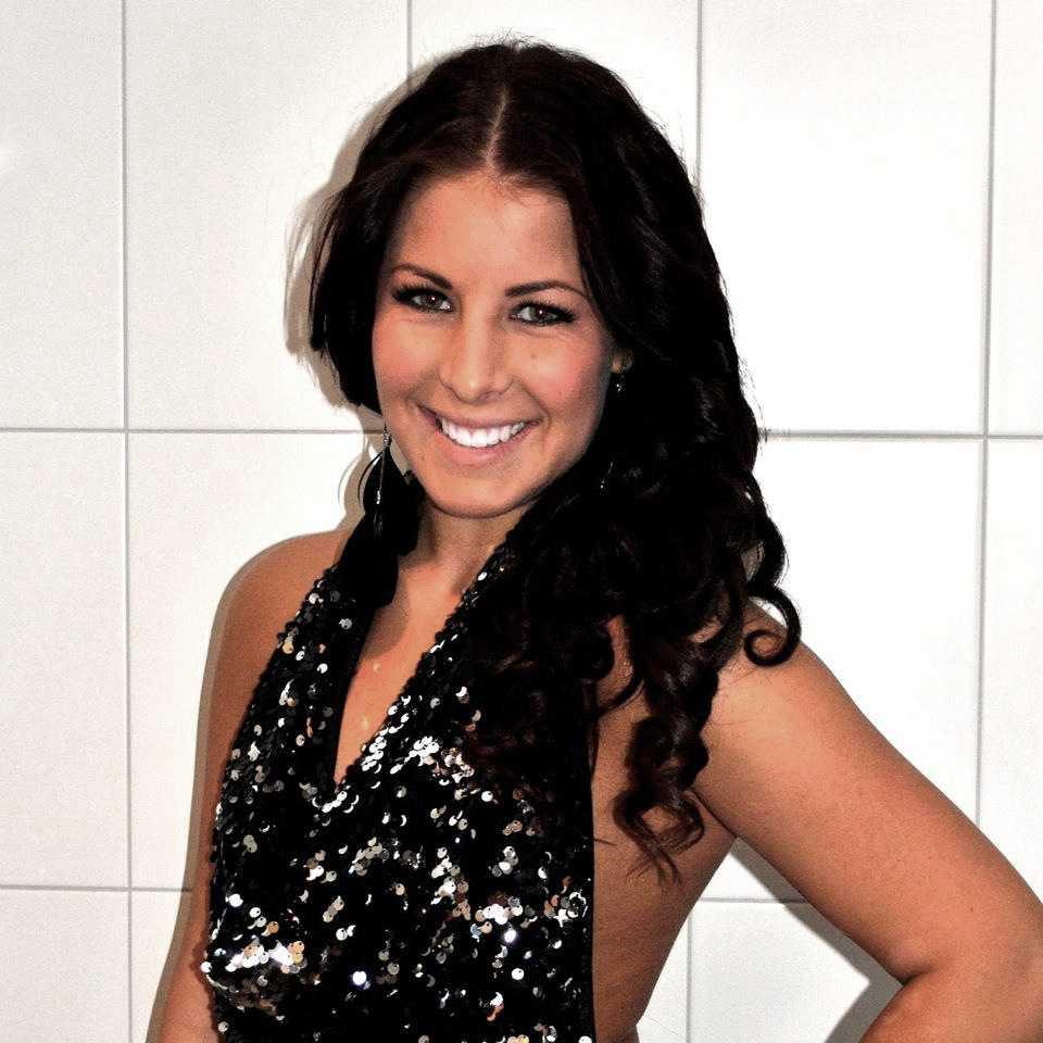 Nicole älskade glitter och glamour och var efterfrågad som hår-och sminkartist.