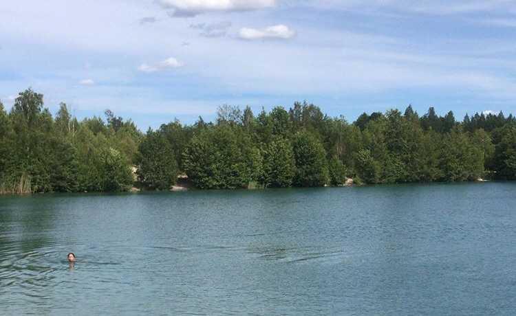 Blå lagunen på Munsön går nu endast att besöka utan bil.