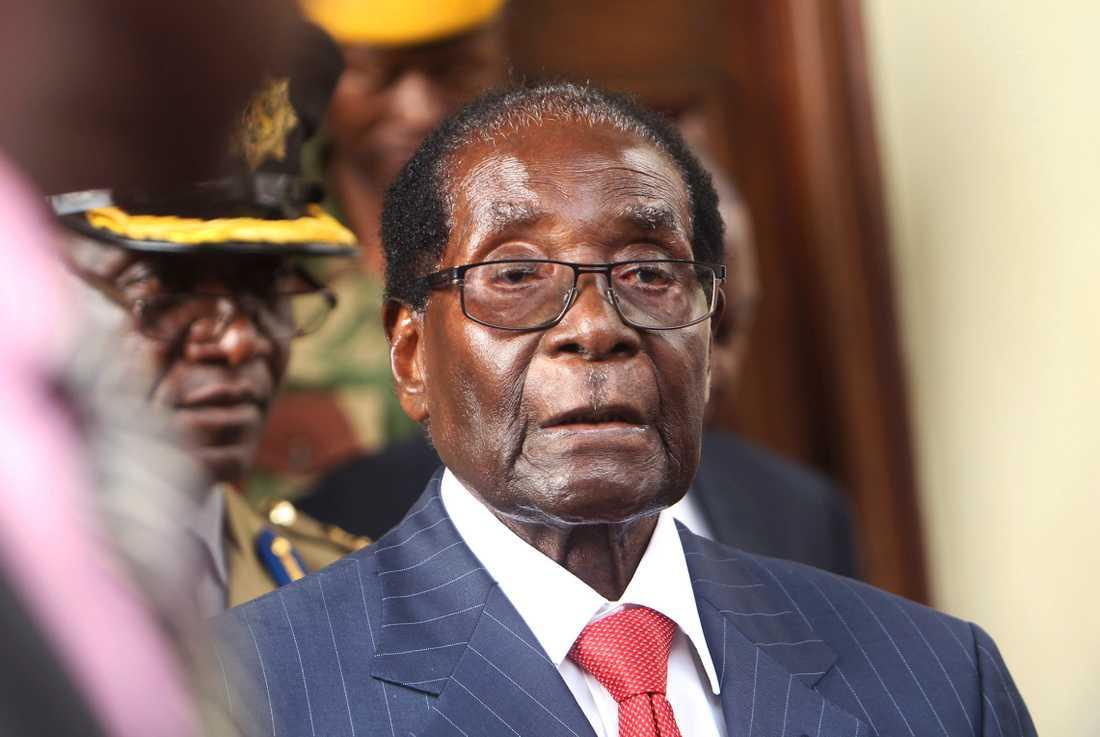 Robert Mugabe kommer att bli ihågkommen för sin roll i Zimbabwes frigörelse från kolonialstyre, men också för bristen på demokratisk utveckling och våld, tror Henning Melber.