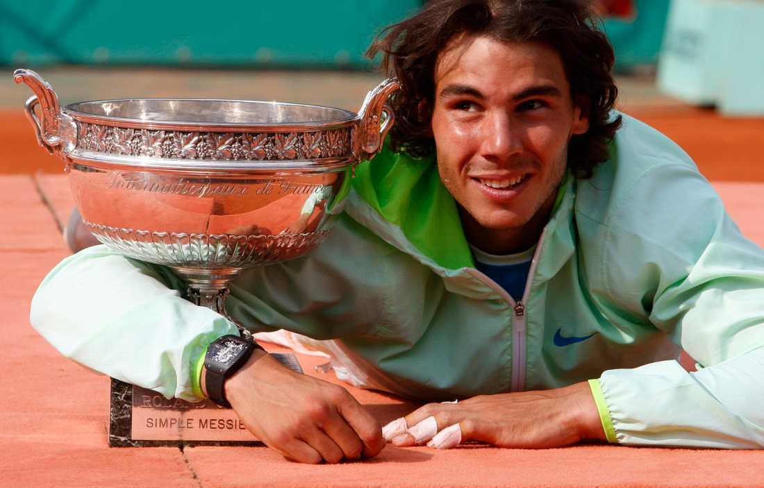 2010, Rafael Nadal (ESP) 2010 var Nadal tillbaka på banan igen, och Robin Söderling befann sig igen i en Franska öppna-final. Men Nadal slog ut Söderling i finalen med siffrorna 6-4, 6-2, 6-4.