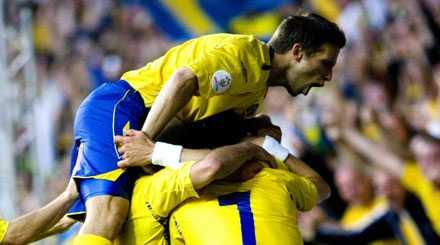 rekordbonus Anders Svensson och de övriga i svenska fotbollslandslaget kan räkna med rekordbonus om de skulle vinna EM i sommar.