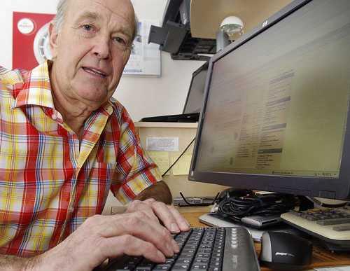 SUPERKOLL Roy Bladh, 68, lägger ungefär en halvtimme om dagen på att titta till sina pensionspengar.