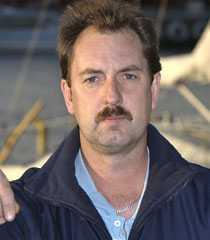 Tony Lindlöf tänker ta lastbilskort när han blir arbetslös.