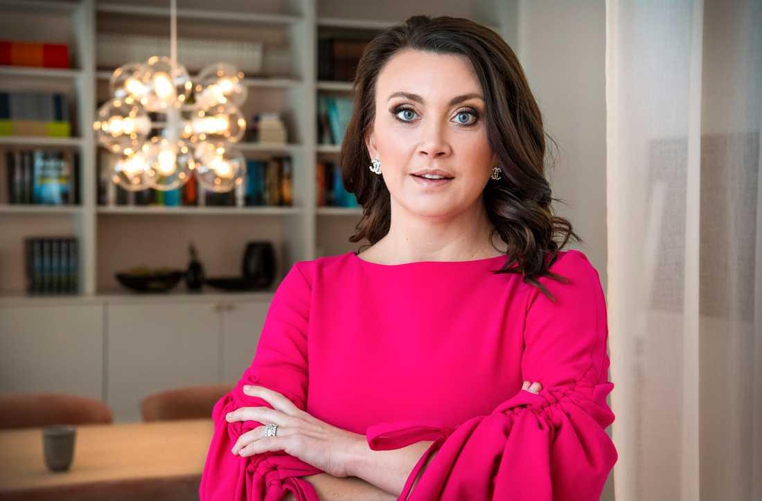 Författaren Camilla Läckberg är delägare i den privata vårdcentralen Hedda Care.