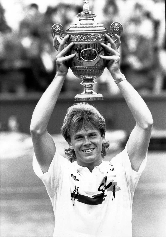 Stefan Edberg vann singeltiteln i Wimbledon två gånger efter finalsegrar mot Boris Becker 1988 och 1990. 1989 förlorade han finalen mot samme Becker.