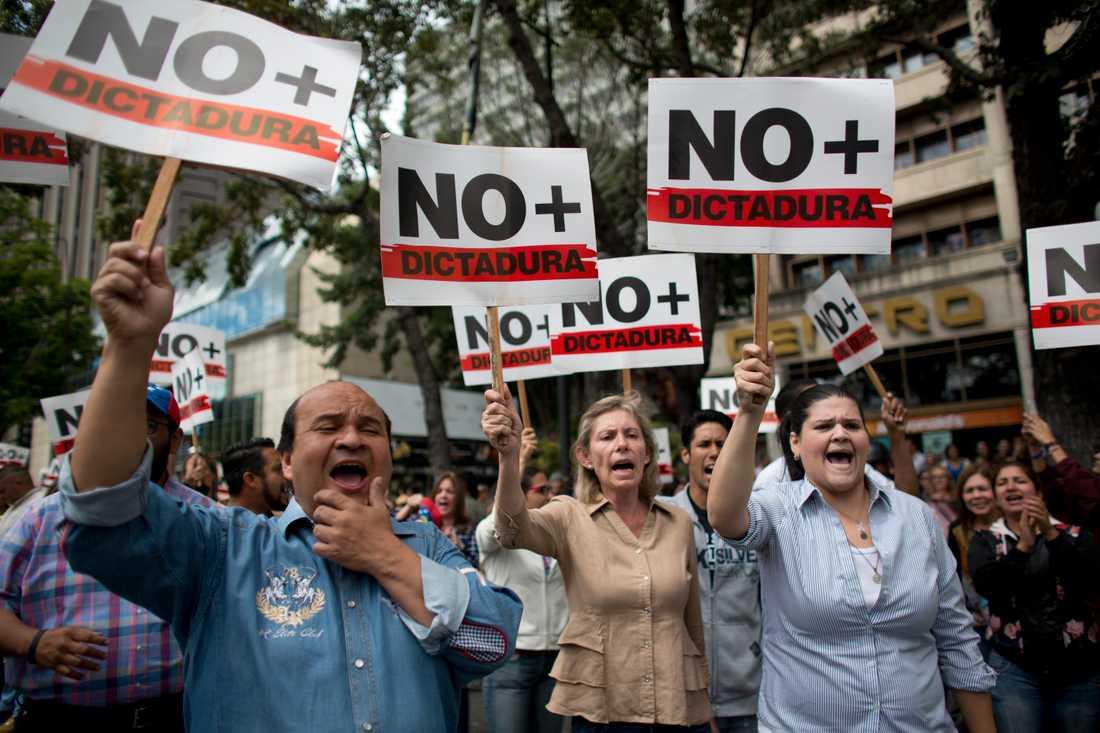 Demonstration mot Maduro-regimen i Caracas på onsdagen.