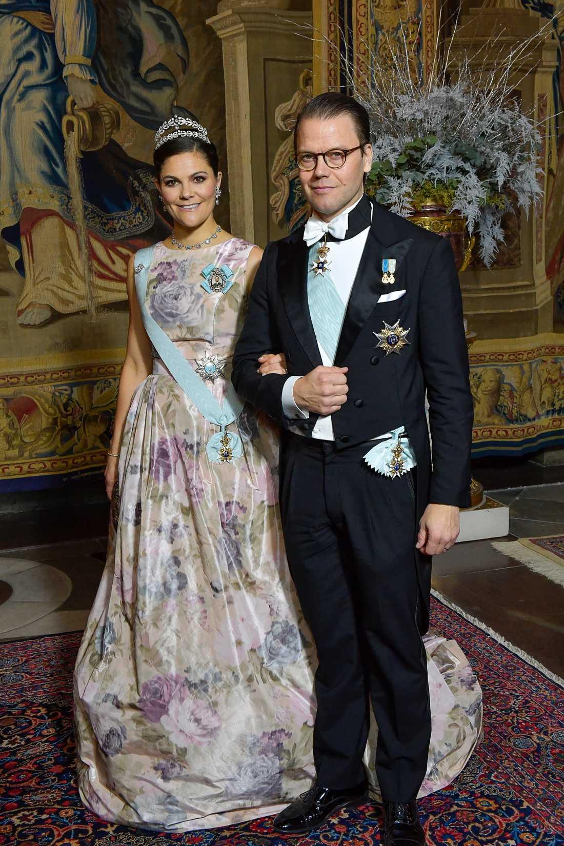 Kronprinsessan Victoria och prins Daniel vid kungens middag för Nobelpristagarna i december 2017.