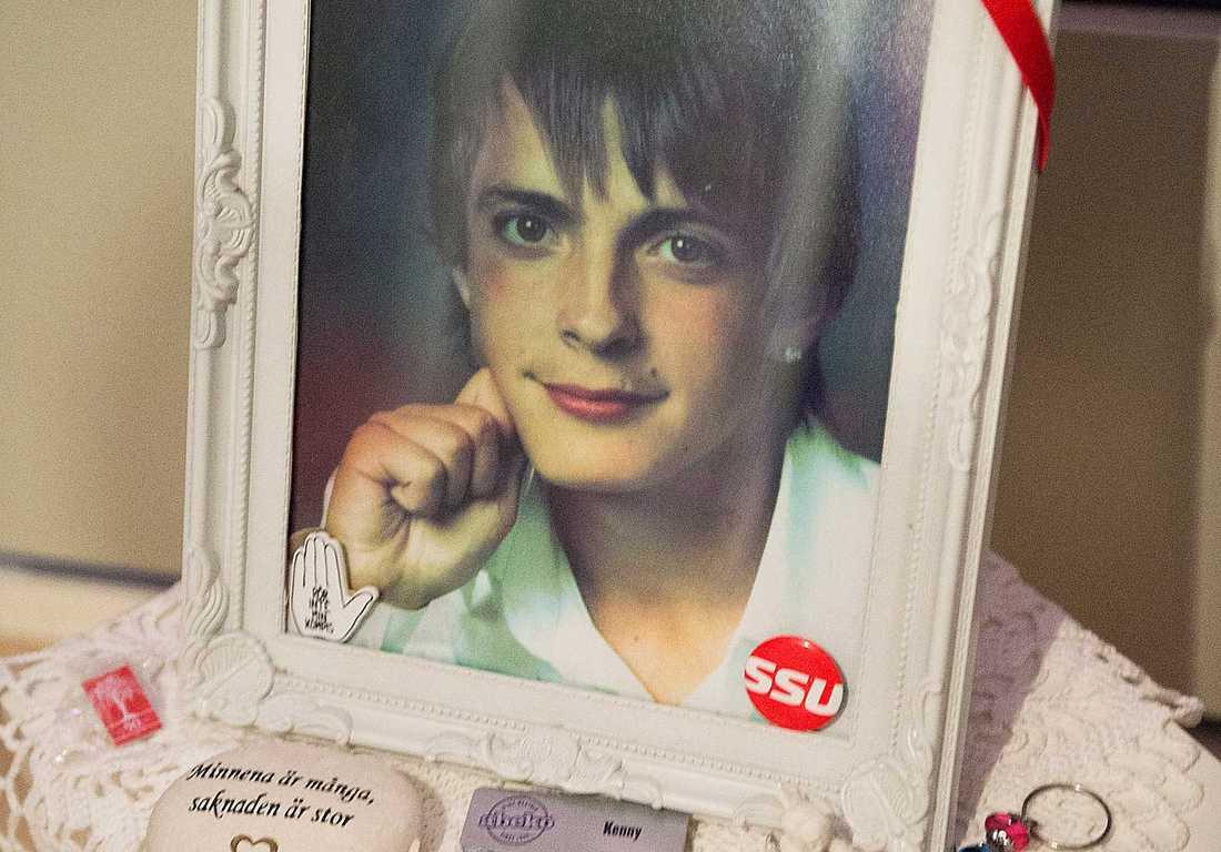 DOG Kenny, 21, hade planerat sitt självmord i detalj – och sin egen begravning. Han hittades död den 2 juli 2012.