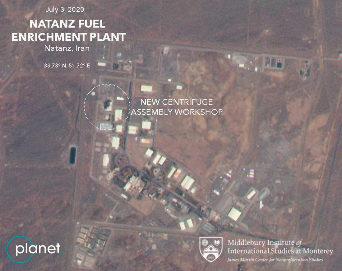 Satellitbild tagen i fredags som uppges visa den byggnad som eldhärjades i torsdags vid kärnenergianläggning i Natanz i Iran.