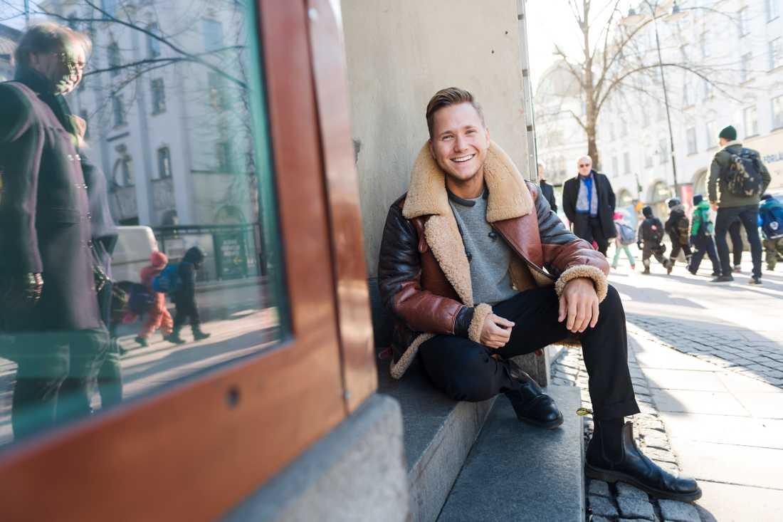 """Viktor Frisk tror att framtiden för vissa influerare är att företag kommer att vara med och sponsra oavsett vad de gör. """"Ungefär som skidåkare är sponsrade av till exempel Kexchoklad"""", säger han."""
