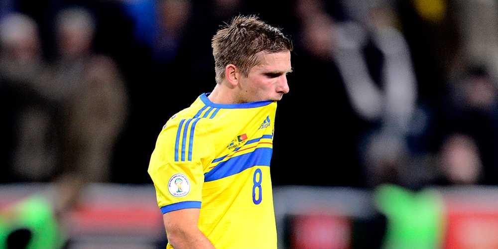 Anders Svensson deppar efter förlusten mot VM-playoffen mot Portugal den 19 november 2013.