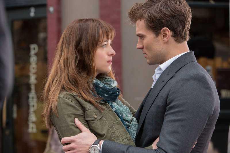 "Dakota Johnson spelar mot Jamie Dornan i ""Fifty shades of Grey""."